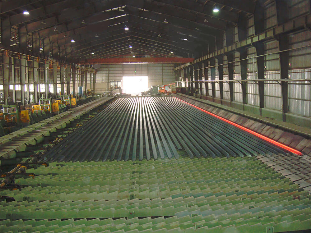 Cooling bed long steel section hot rolling mill