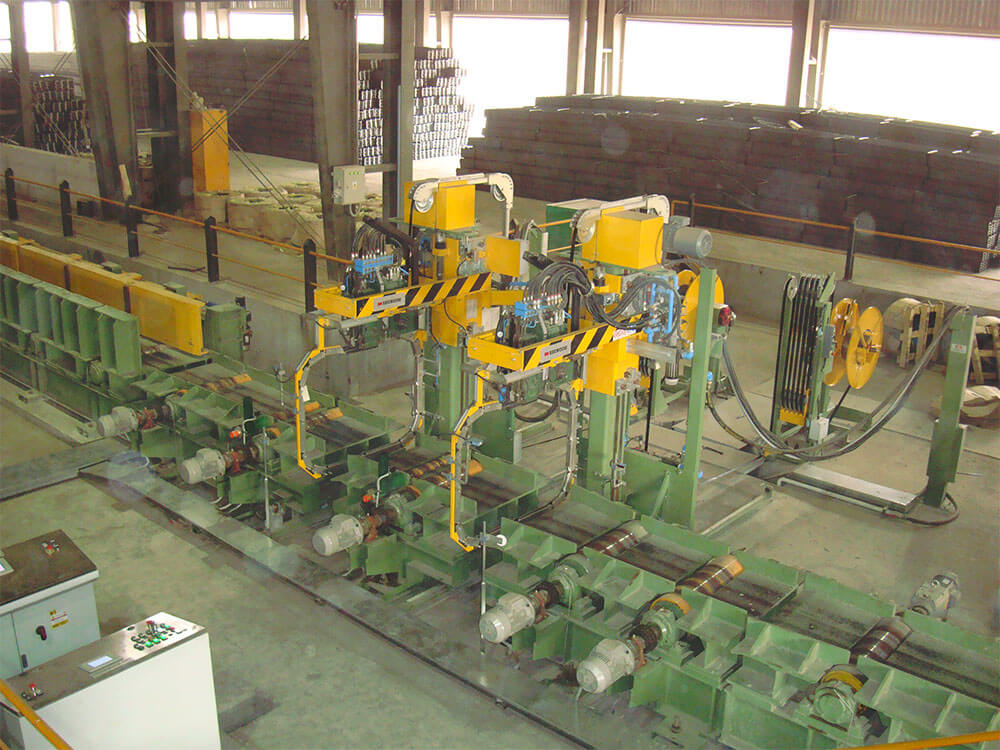 Long steel products winding packaging area